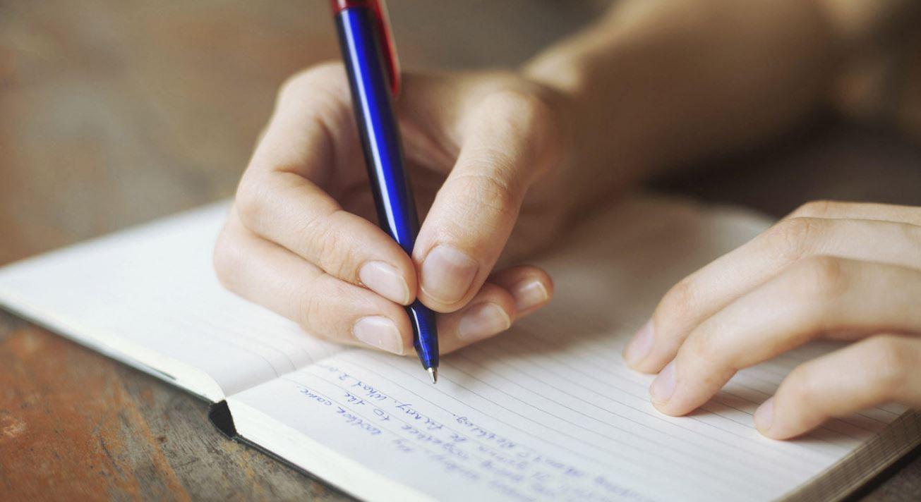 essay yazmak için gerekli kelimeler